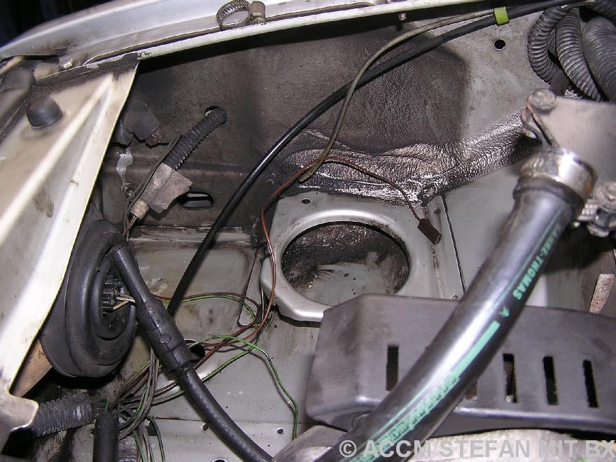 Dank eins permanenten LHM-Nebels auf dem Blech, sieht der rechte Vorderwagen sehr gut aus...