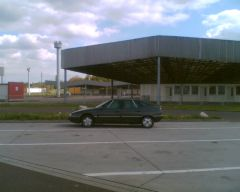 Vor der ehemaligen Abfertigung in Marienborn-Helmstedt am 16.05.2010