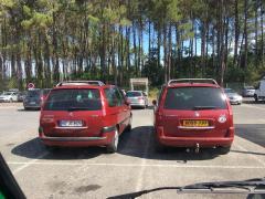 zufälliges C8-Treffen auf einem Super U-Parkplatz in Lit-et-Mixte (Atlantique)