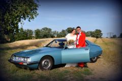 Brautpaar mit Citroen SM