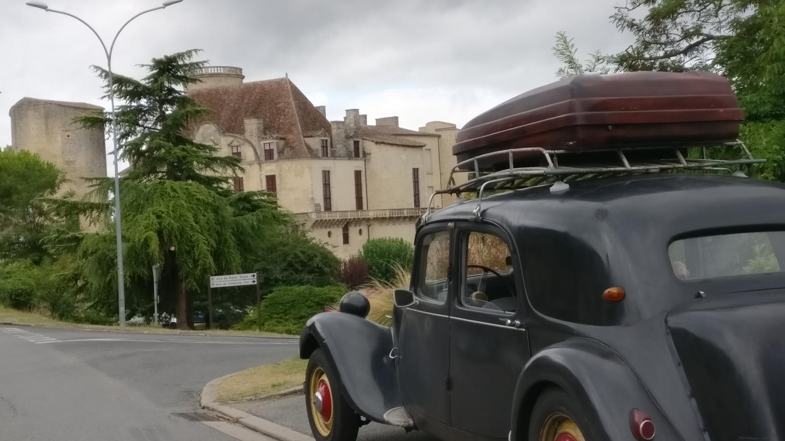 Chateau des Ducs de Duras.jpg