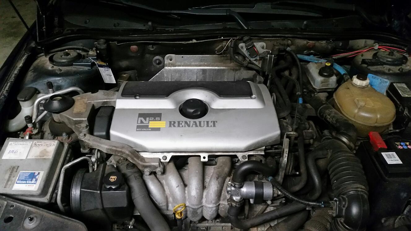 Renault Safrane 2.5 20 V 4
