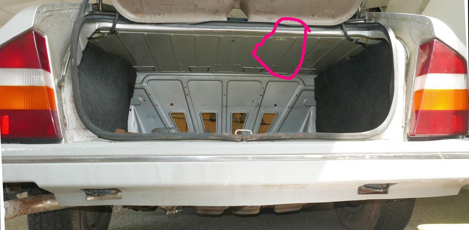 kofferraum-citroen-cx_796043.jpg