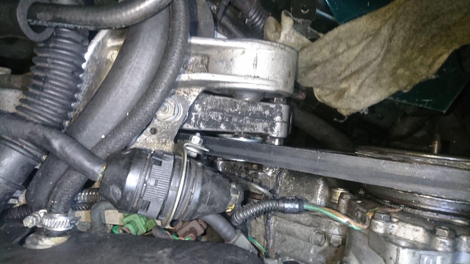 Spannrolle Klimakompressor zpj4.jpg